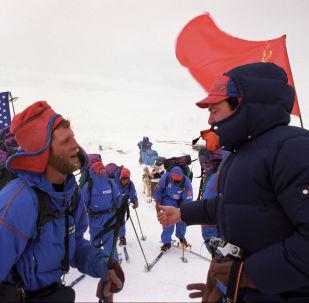 1989 - spedizione congiunta URSS-USA attraverso lo Stretto di Bering
