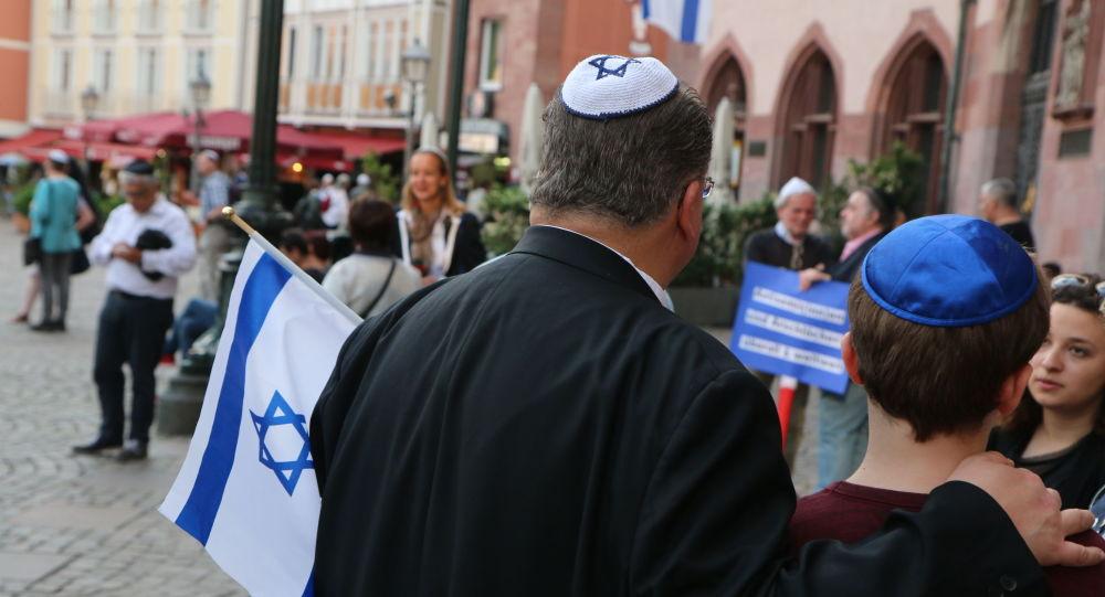Germania, il consiglio del governo agli ebrei: