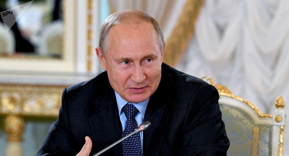 Putin: 'Pronti a non prorogare il trattato sul nucleare'