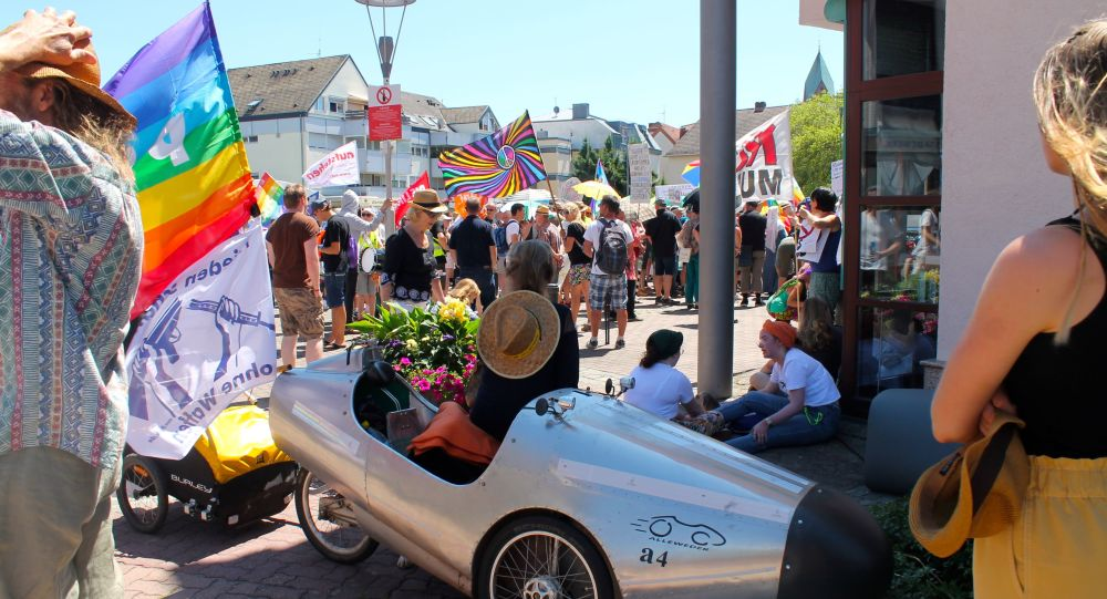 Proteste dei pacifisti contro la base USA di Ramstein in Germania