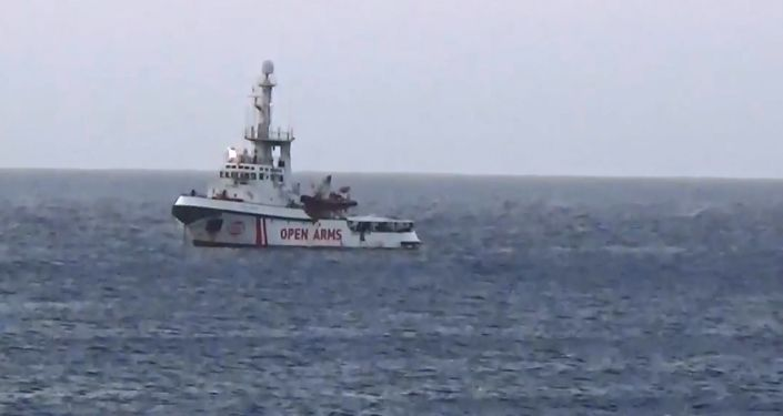 La nave Ong 'Open Arms' si dirige verso Lampedusa