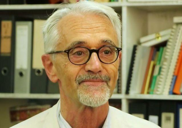Il dottor Alberto Cairo