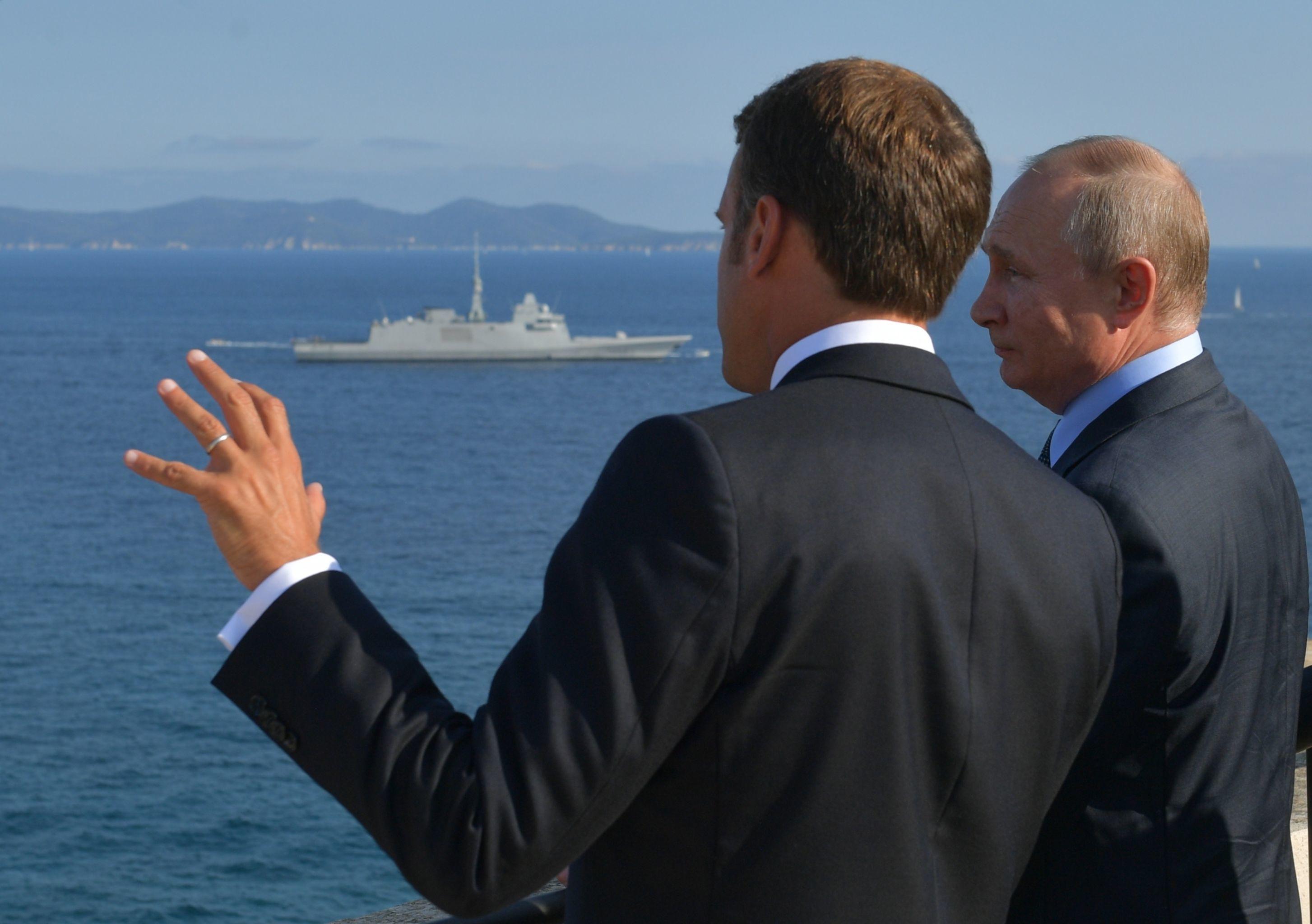 Oggi l'incontro tra Macron e Putin a Parigi