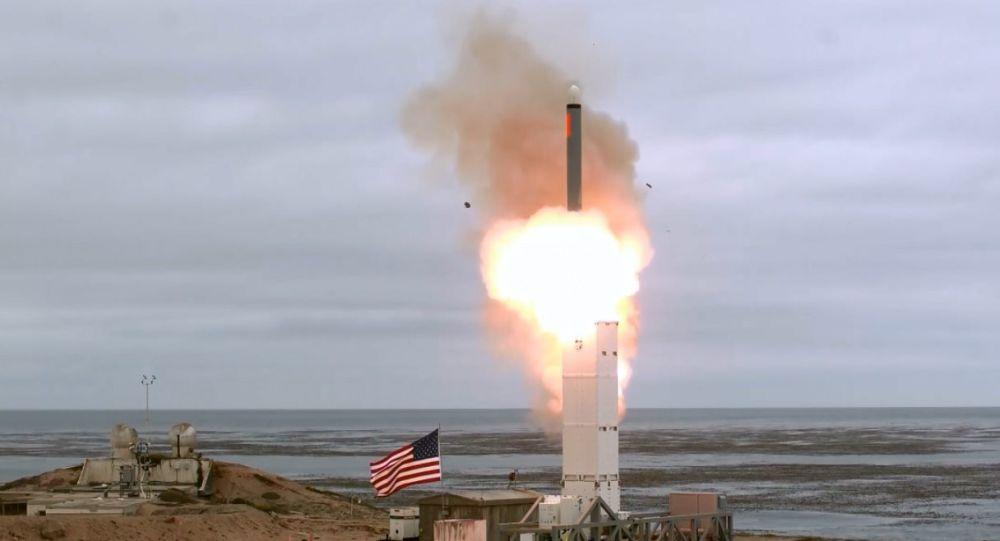 Gli Usa testano un missile a medio raggio. Russia: