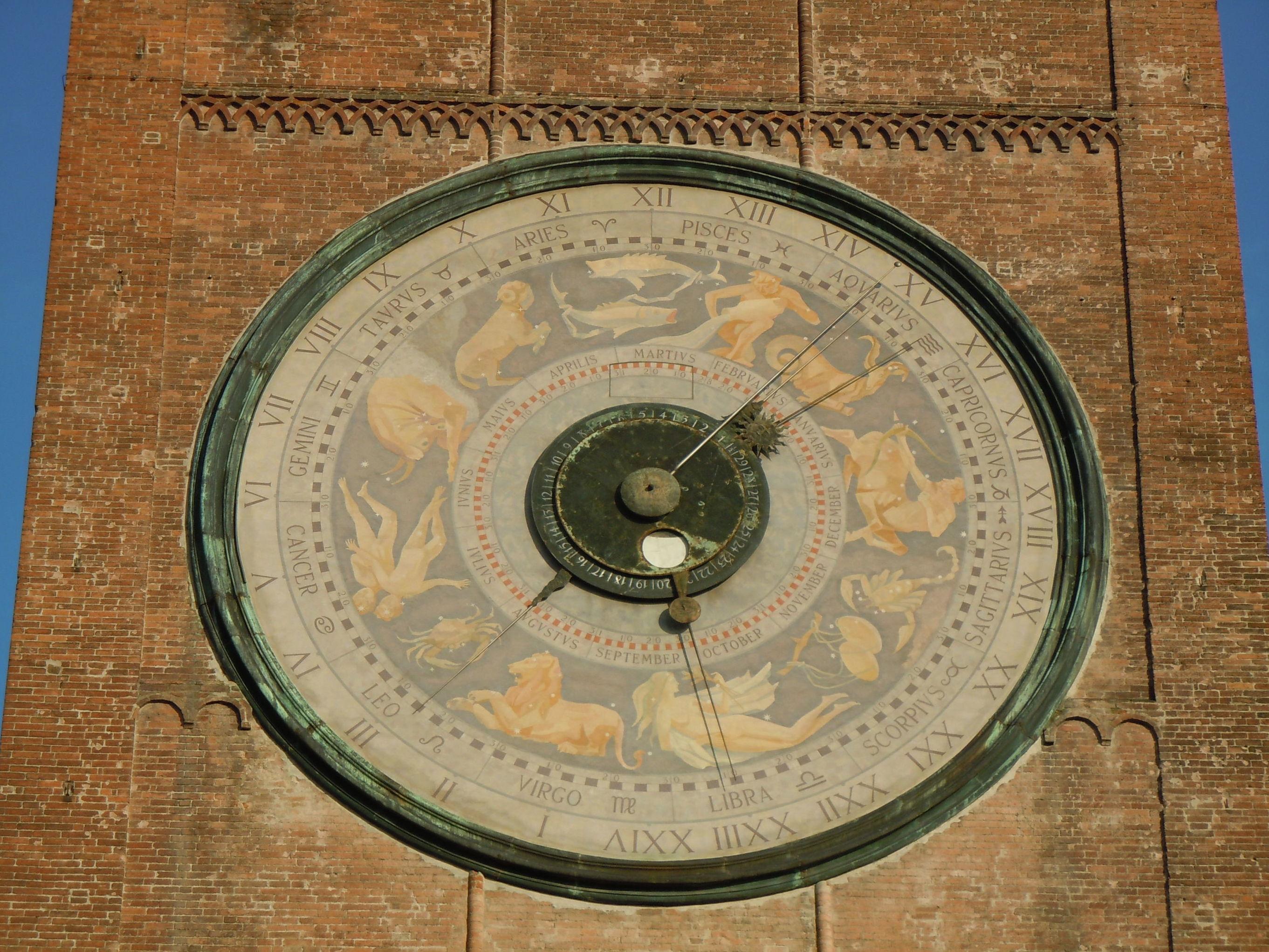 Cremona, orologio astronomico sul Torrazzo.