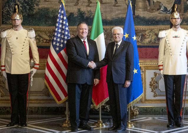 Il Presidente della Repubblica, Sergio Mattarella, ha ricevuto nel pomeriggio al Quirinale il Segretario di Stato degli Stati Uniti d'America, Michael Richard Pompeo.