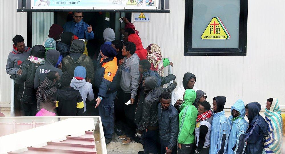 Centro di immigrazione a Lampedusa (foto d'archivio)