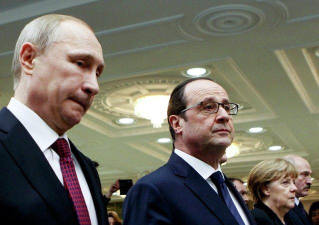 I leaders della Russia, Francia, Ucraina e Germania durante le trattative a Minsk