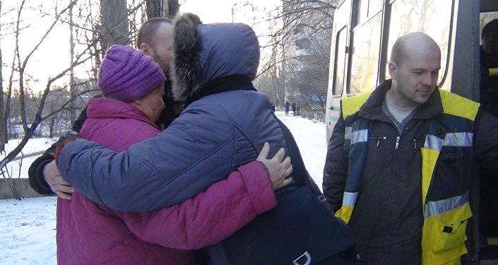 Donbass il saluto prima della evacuazione