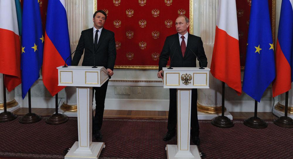 Matteo Renzi e Vladimir Putin al Cremlino alla conferenza stampa congiunta/ Il 5 marzo 2015