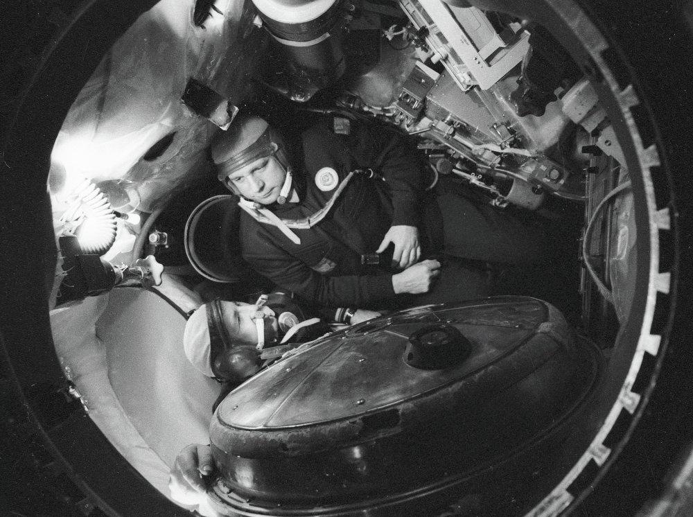 Il pilota ed eroe dell' Unione Sovietica, il colonnello Viktor Gorbatko ed il tenente colonnello Yuri Glazkov