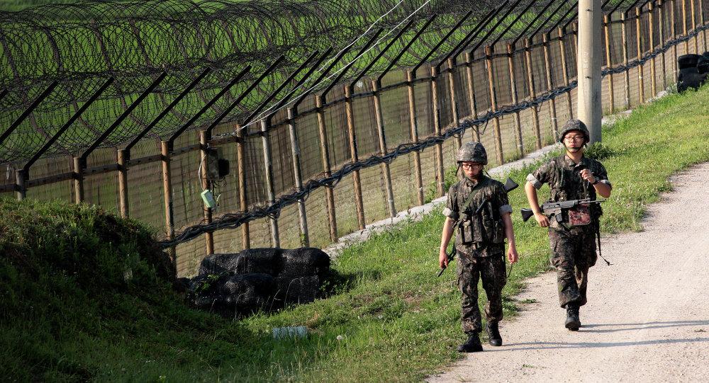 Pattuglia sudcoreana al confine con la Corea del Nord