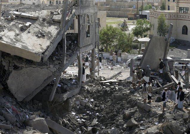 Capitale dello Yemen distrutta dai bombardamenti sauditi