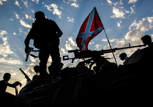 Donbass, milizia separatista (foto d'archivio)