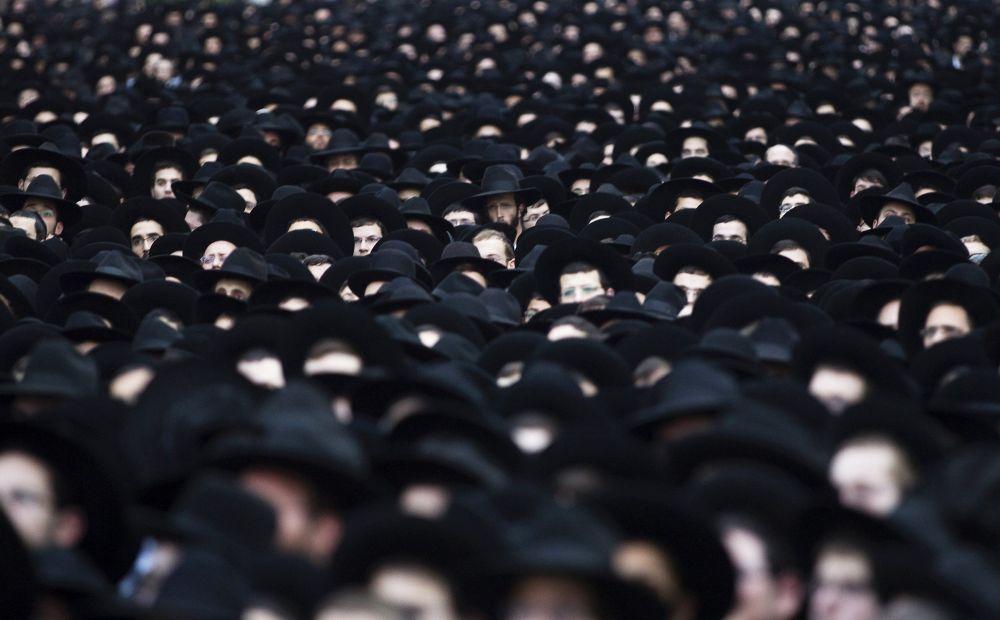 Ebrei ultraortodossi ad un meeting a Tel Aviv.