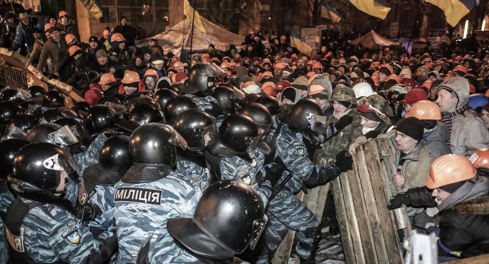 Maidan, scontri dimostranti e polizia