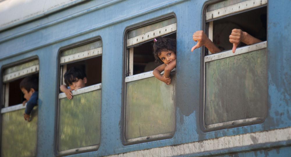 Treno di profughi in Serbia