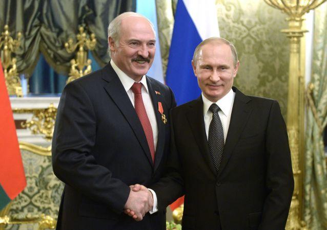 Presidenti di Russia e Bielorussia Vladimir Putin e Alexander Lukashenko (foto d'archivio)