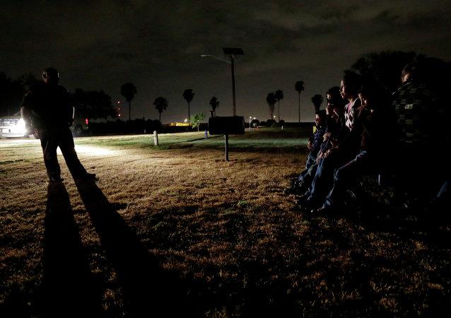Honduras, la polizia pattuglia il confine con El-Salvador