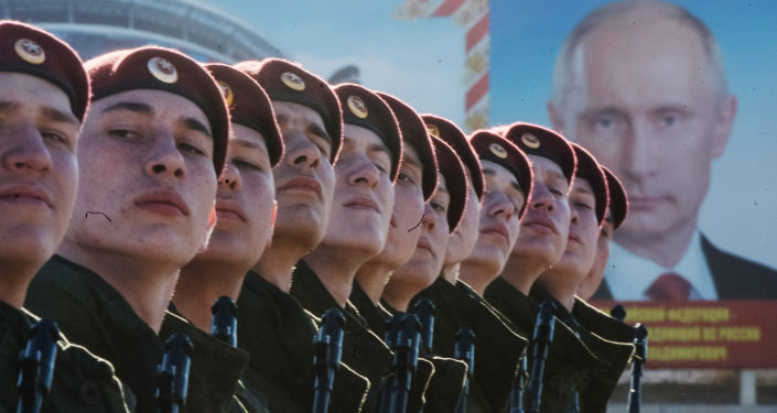 Militari russi si preparano alla Parata.