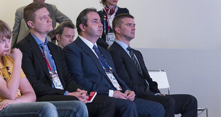 Da sx a dx il vice commissario Ilya Timokhin, il commissario Georgy Kalamanov ed il direttore Sergey Bondarenko