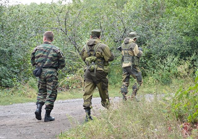 Militari a Donetsk