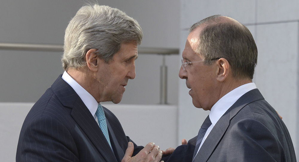 Sergey Lavrov e John Kerry (foto d'archivio)