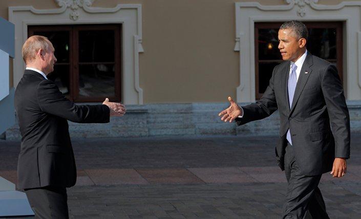 Vladimir Putin accoglie Barack Obama al vertice del G20 il 5 settembre 2013