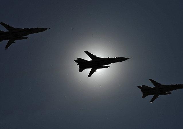 Caccia russi Su-24 (foto d'archivio)