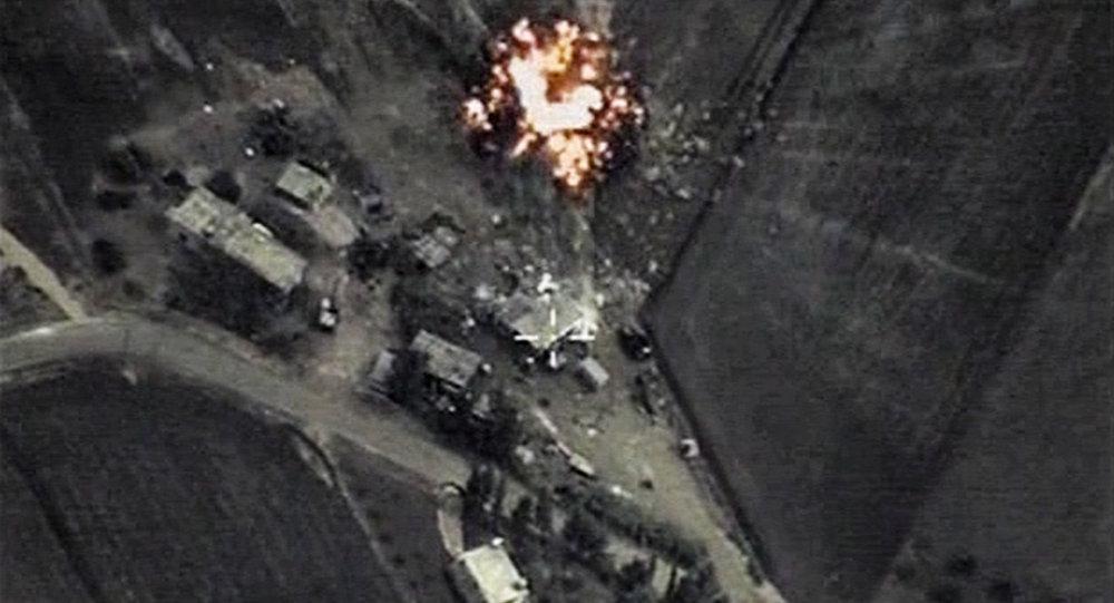 Raid aereo russo contro ISIS in Siria