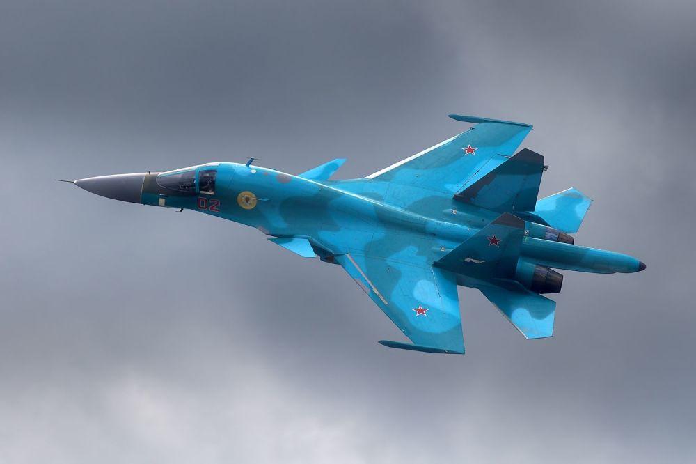 Il cacciabombardiere Su-34.