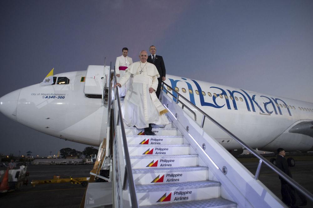 Papa Francesco all'arrivo a Manila nelle Filippine.