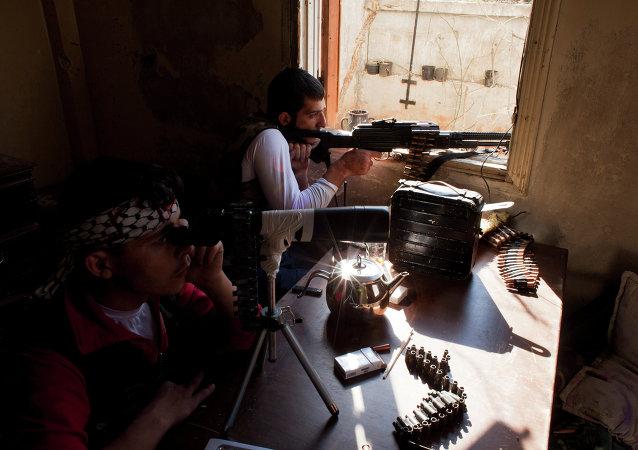 Armi dei ribelli anti-Assad dell'Esercito Libero Siriano (opposizione moderata)