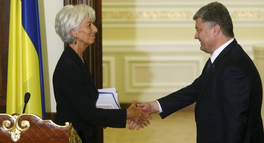 Incontro tra direttore FMI Christine Lagarde e presidente ucraino Petr Poroshenko (foto d'archivio)