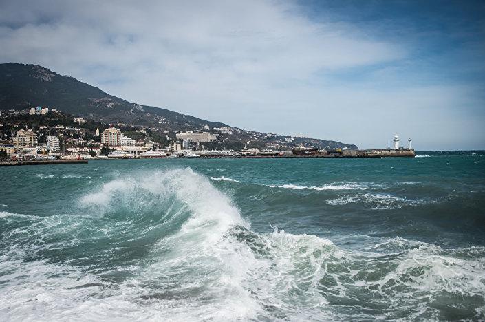 Il panorama della città di Jalta