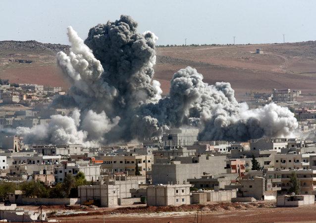 Bombardamenti in Siria (foto d'archivio)
