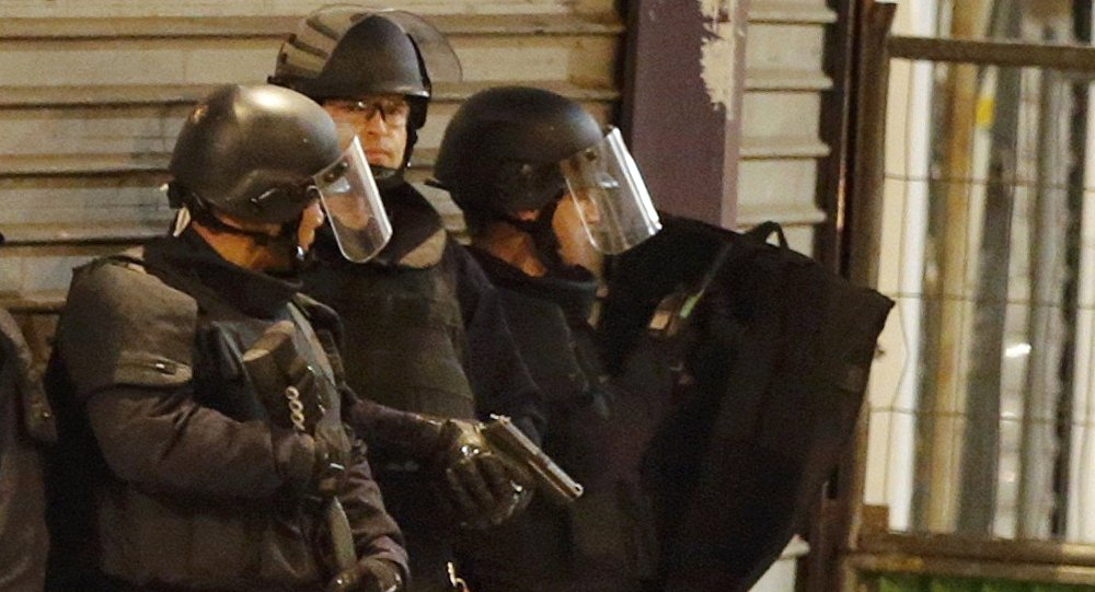 Lourdes, uomo armato si barrica in casa con degli ostaggi