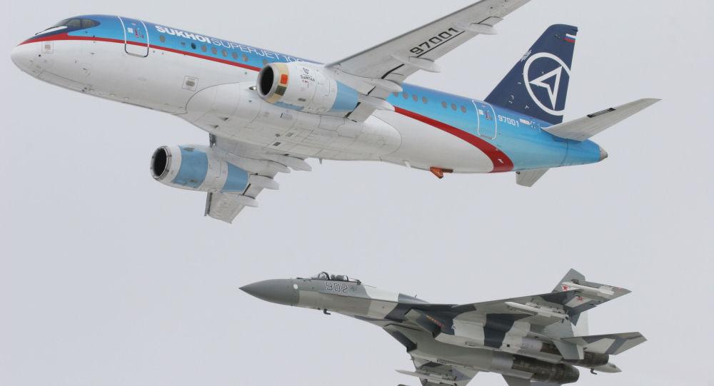 Sukhoi SuperJet-100 e Su-35