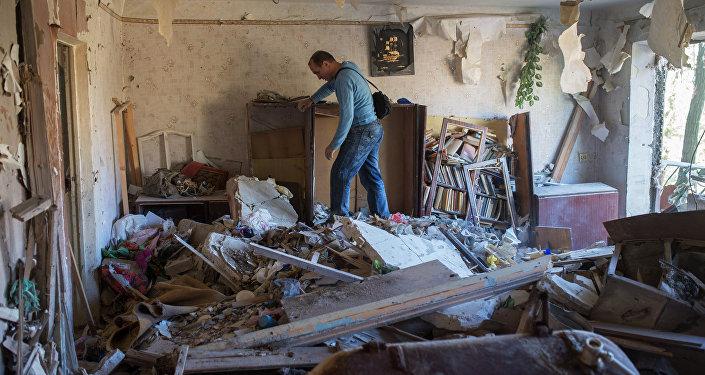 Danni dei bombardamenti ucraini nel Donbass (foto d'archivio)