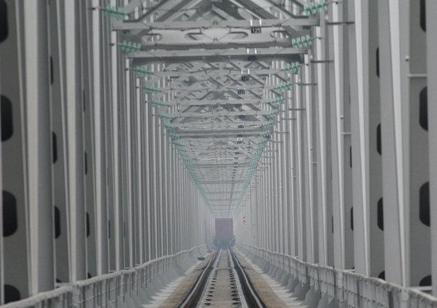 ponte sull'Amur