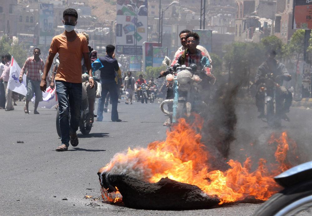 Proteste nella città di Taez.