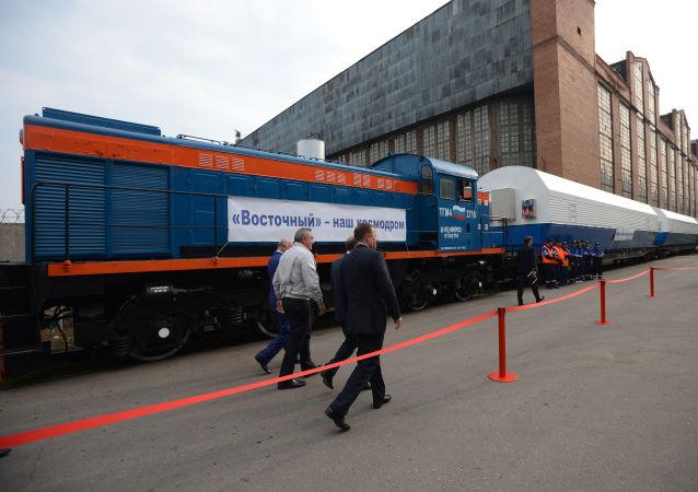 Vice premier russo Dmitry Rogozin al cosmodromo Vostochny