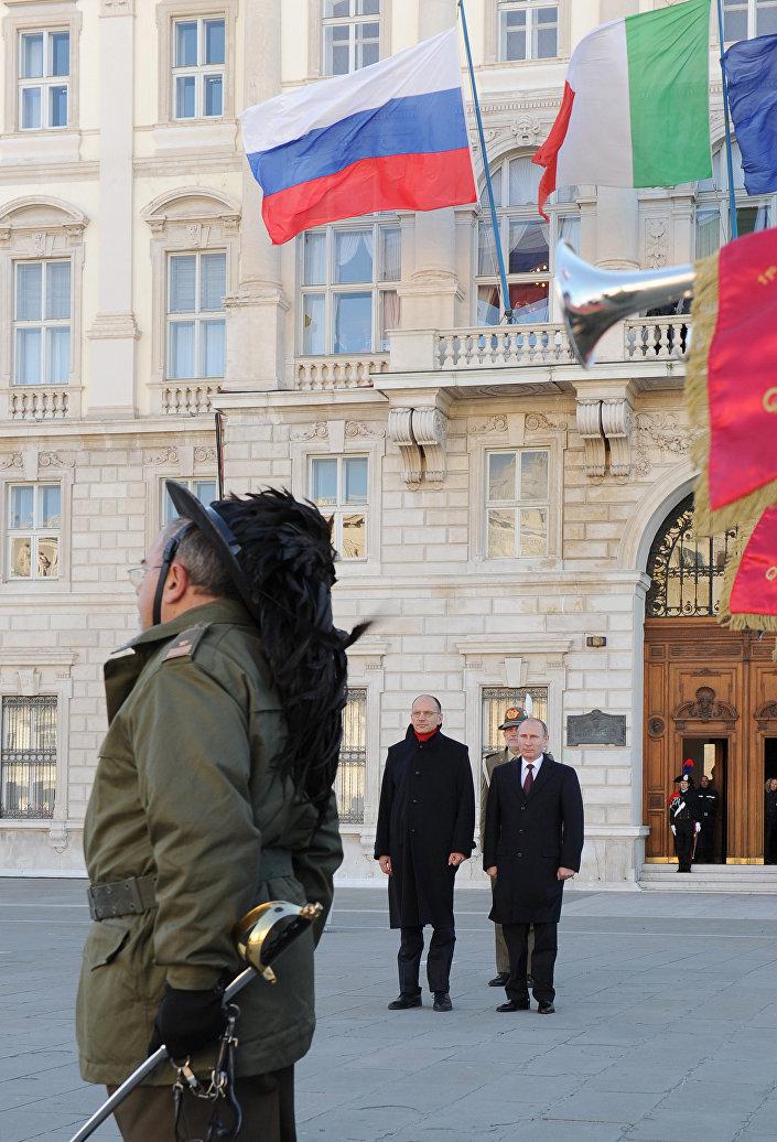 Putin e l'allora premier Letta il 26 novembre 2013 in occasione del bilaterale Italia/Russia a Trieste