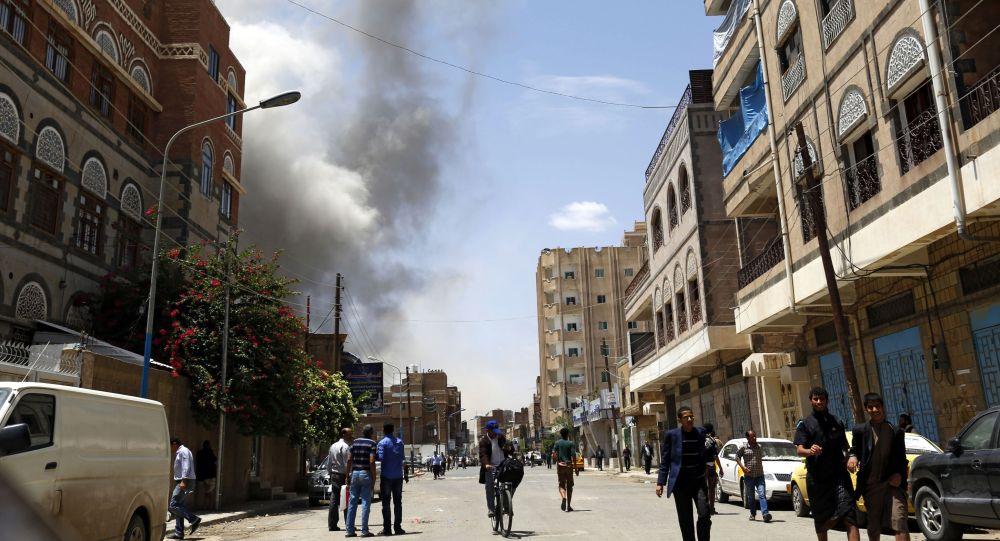 Dopo gli attacchi aerei a Sanaa