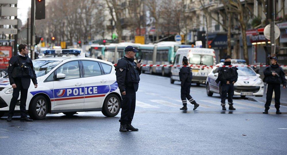 Parigi, soldato spara ad aggressore al Louvre: gridava Allah Akbar