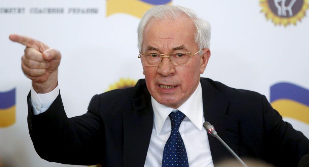 Бывший премьер-министр Украины Николай Азаров на пресс-конференции в Москве