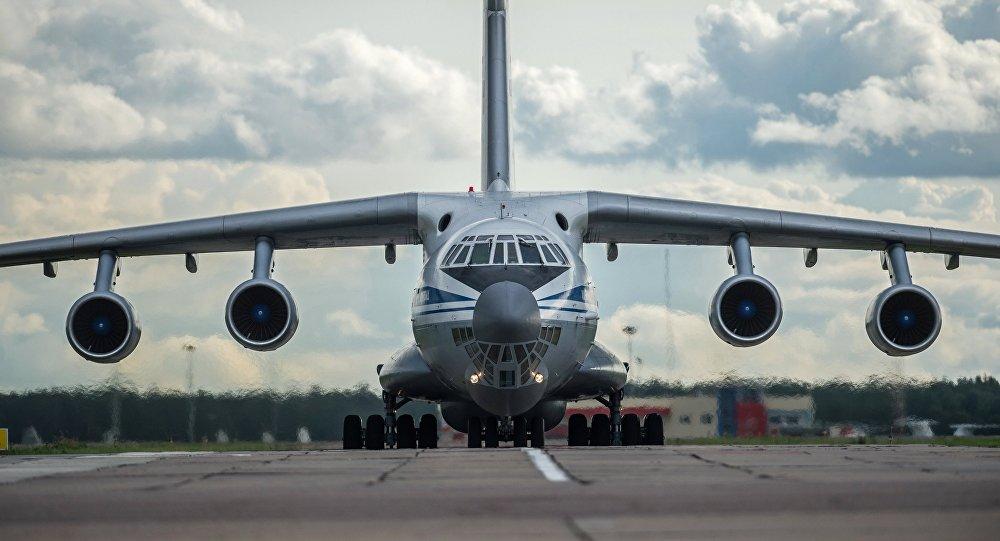 Aereo da trasporto militare IL-76 (foto d'archivio)
