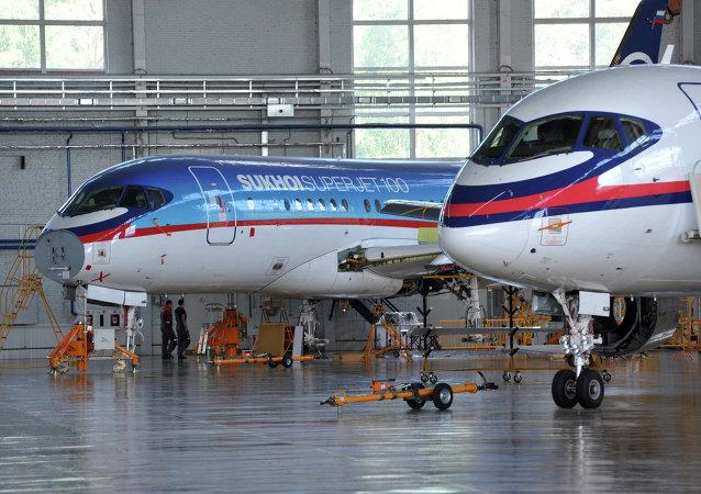 Aerei SSJ-100
