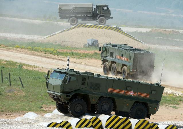 Il veicolo blindato Tajfun-K (tifone) durante la preparazione per il forum tecnico-militare internazionale Esercito-2015 nella regione di Mosca.