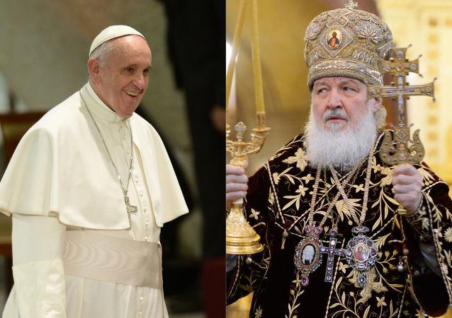 Papa Francesco ed il patriarca di Mosca e di tutta la Rus Kirill